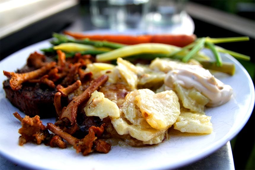 Krämig hemlagad potatisgratäng