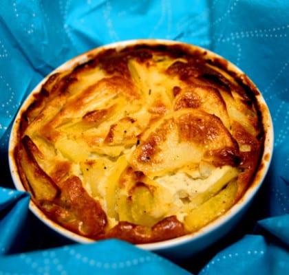 Enkel potatisgratäng i portionsformar med rosmarin och getost