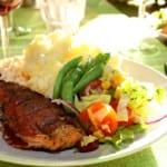 Salamiöverbakad laxfilé med potatisstomp och parmesankräm