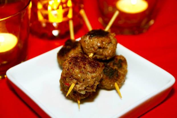 Skånska köttbullar på spett