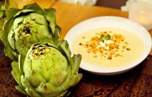 Krämig kronärtskockssoppa med getost och rostad majs