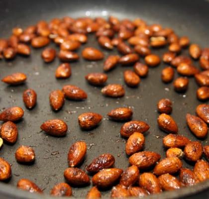 Rostade mandlar med chili och paprika