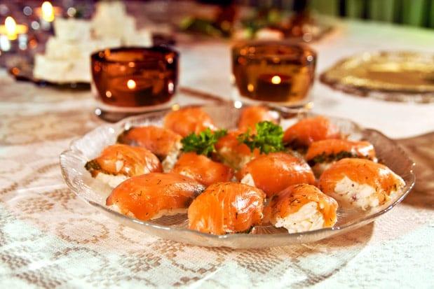 Krämig sushi med gravad lax på svenssonvis