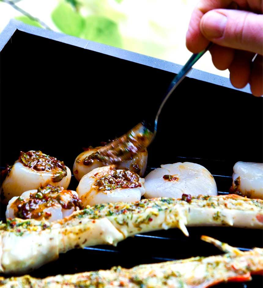 Grillade skaldjur och musslor