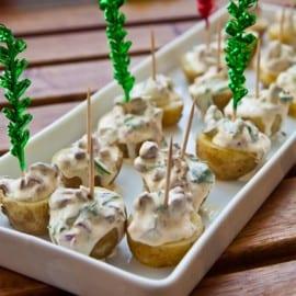 Potatishalva med ogräs och kantareller