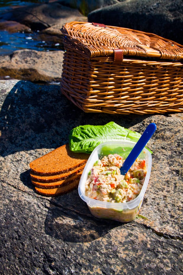 Tonfiskröra med kikärtor och avocado till smörgåsarna