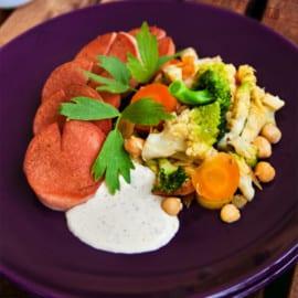 Falukorv med grönsakspytt och ost- och senapscreme