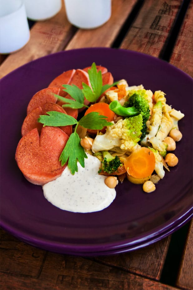 Falukorv och grönsakspytt med ost- och senapscreme
