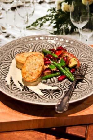 Fishcakes med röd-grön flädersallad och äppelbearnaise