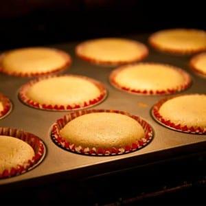 Saftiga muffins med apelsin och pepparkakssmak