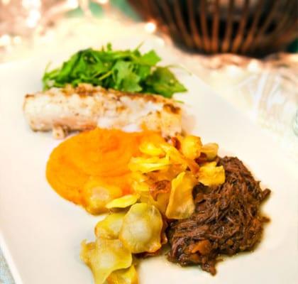 Torskrygg med apelsinpuré, palsternackschips och långkokt oxkompott