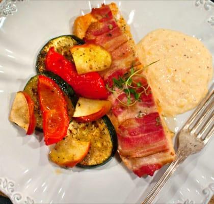 Baconlax med ugnsrostade grönsaker och majspuré