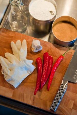 Allt du behöver för att göra hemmagjord Sweet Chilisås