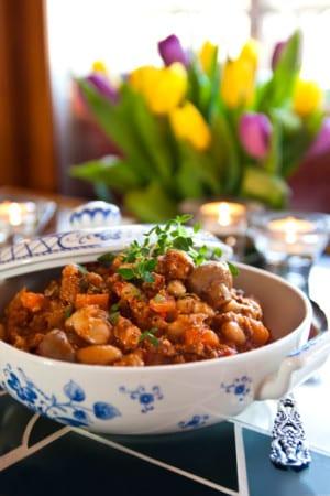 Slökokt köttfärsgryta med canellinibönor