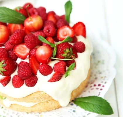 Sommarens bästa recept på midsommartårta