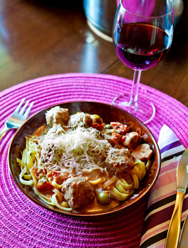 Italiensk pasta med frikadeller