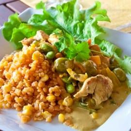 Currykycklinggryta med lins- och majssallad