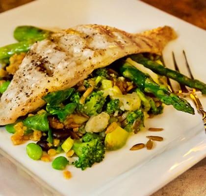 Grillad torsk med majspuré och lins- och bönsallad