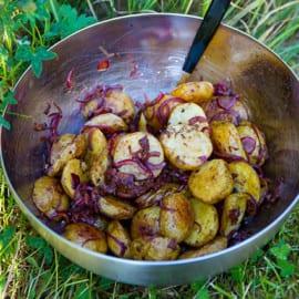 Rostad potatissallad med soltorkade tomater