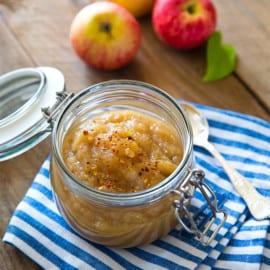 Hemmagjort äppelmos med mindre socker