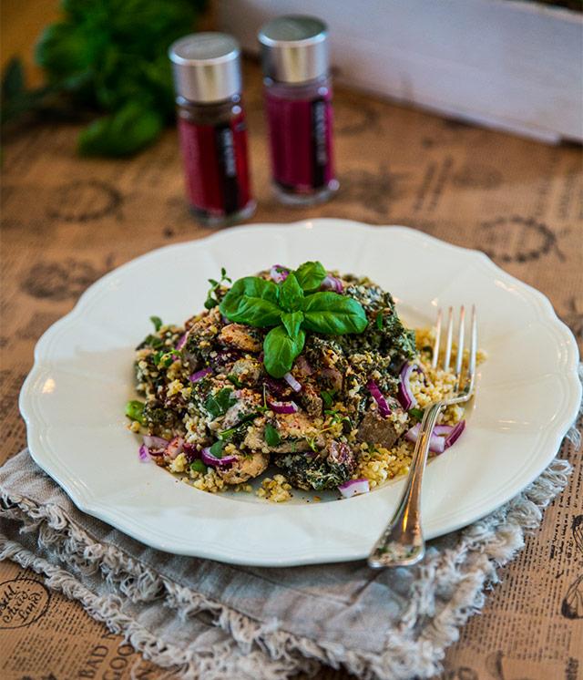 Krämig panna med fläsk, halloumi och grönkål