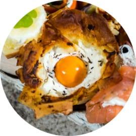 Små filodegstulpaner med ägg