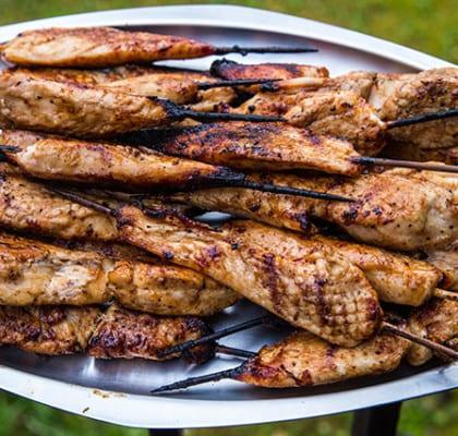 Grillade kycklingspett med honungsglaze