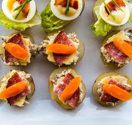 Potatishalvor med västerbottensost och salami