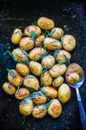 Ugnsrostad potatis i örtolja