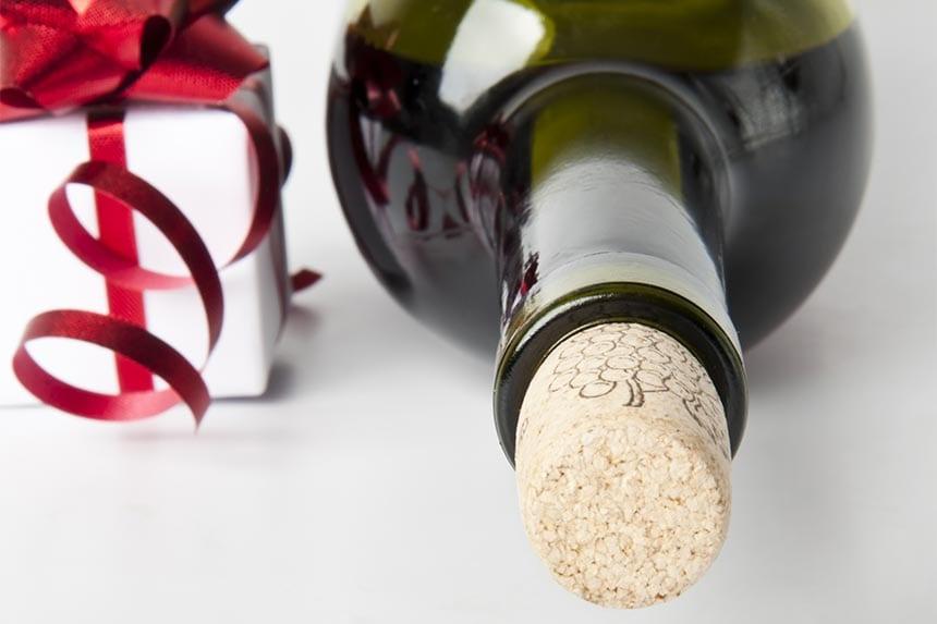 1. Du är bortbjuden på middag. Vilket vin tar du med dig i gå bort-present?