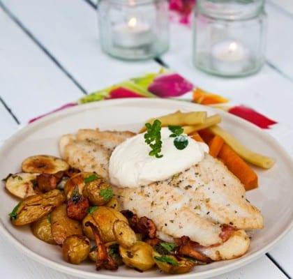 Pangasius med tryffelsalami och rostad kantarell- och potatissallad