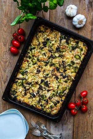 Enkel vardagsgratäng med blomkål, broccoli och kalkon