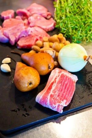 Bacon, päron, lök och fläskfilé