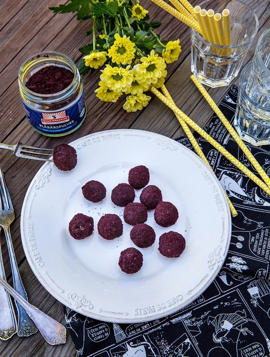 Raw-bollar med blåbär