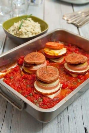Falukorv med kryddig tomatsås och mos