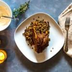 Lammlägg med linssallad och vitlökssås