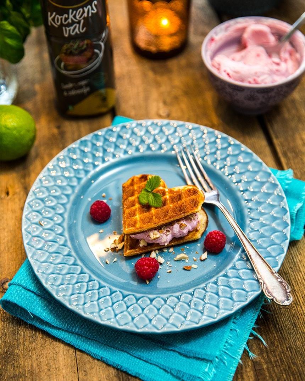 Våffelbakelser med tranbär, vanilj och vit choklad