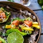 Sotad fjordörret med mango, cashewnötter och chili