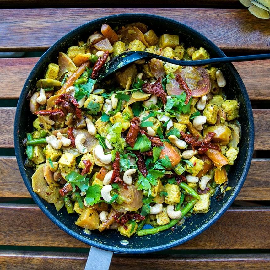 Curry och mangogryta med quorn bitar