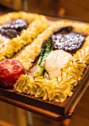 Plankstek med oxfilé och pommes duchesse