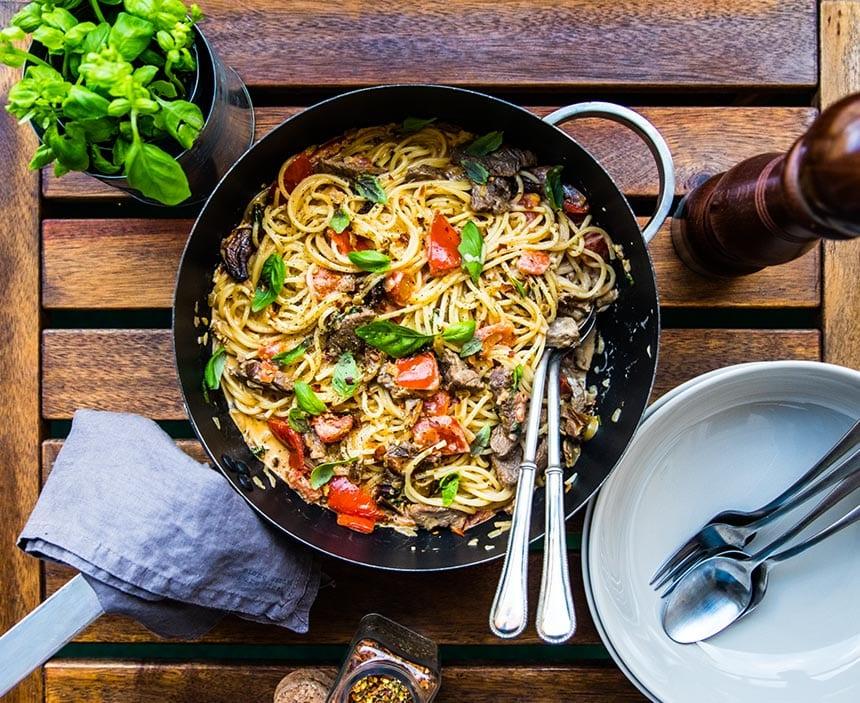 Spaghetti med entrecôte' tomat och Karl Johansvamp