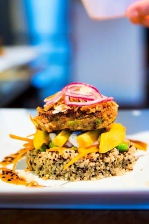Tonfiskbiffar med mango och quinoa
