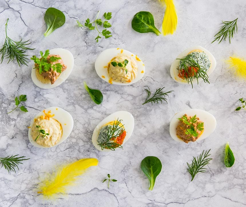 Ägghalvor med tre sorters garnering