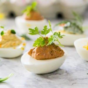Heta ägg med soltorkade tomater och chipotle