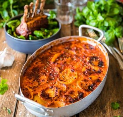 Grillade lammracks med tomat- och potatisgratäng