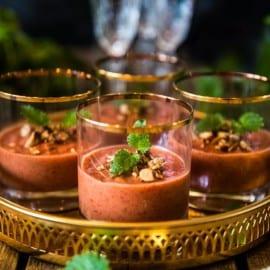 Tomatpannacotta med vanilj, fikon och rostad mandel