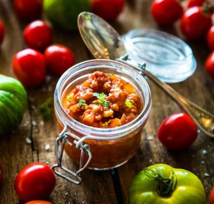 Klassisk, enkel tomatsalsa