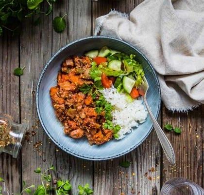 Köttfärssås med paprika, bönor och champinjoner