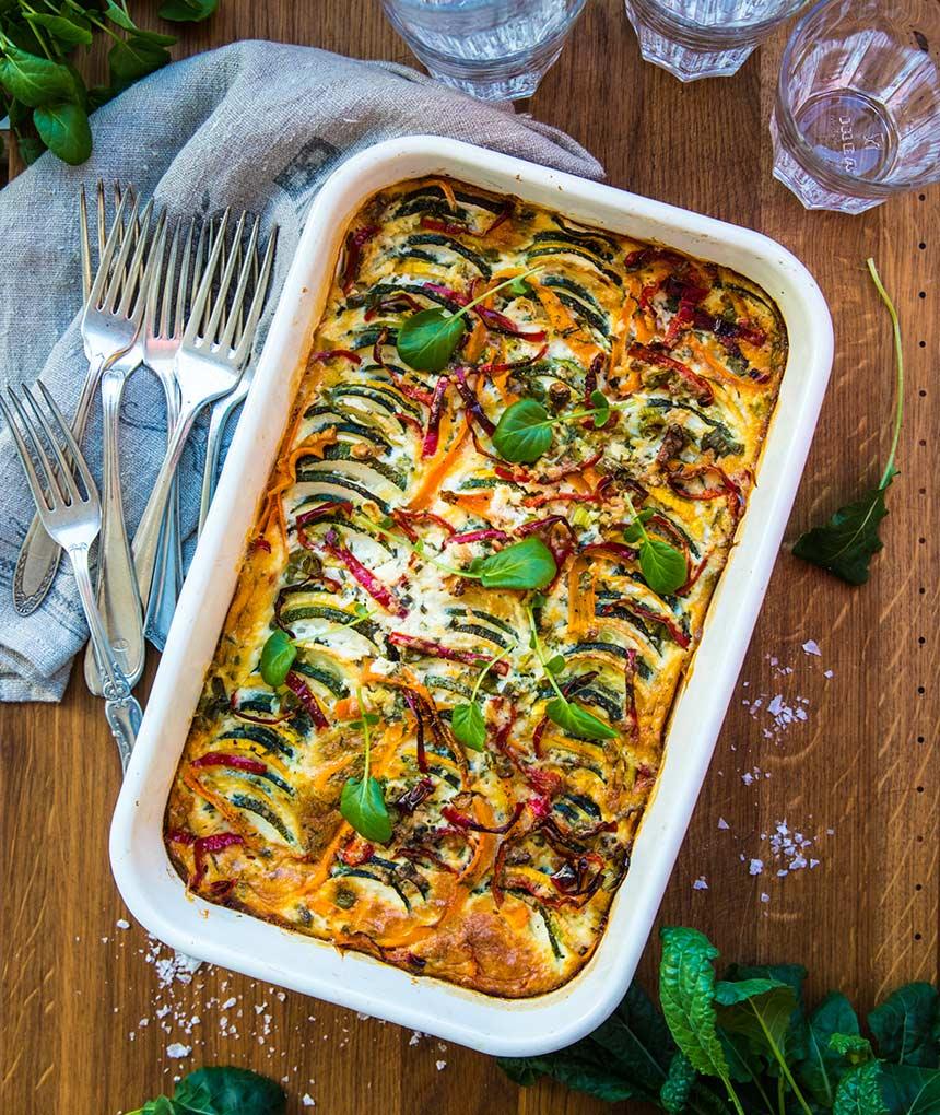 Vegetarisk gratäng med zucchini och paprika