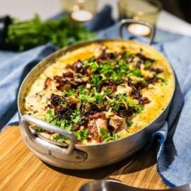 Fläskfilé i ugn med gräddsås, champinjoner och potatis